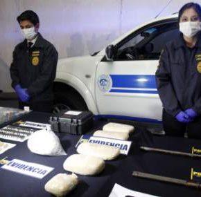 Traficaban cocaína en gránulos de carbón